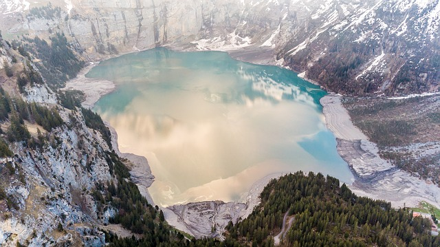 Atemberaubende Sehenswürdigkeiten der Erde von oben genießen